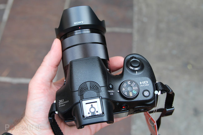 Sony A3000 hands-on: Cheap body, NEX lenses - photo 12