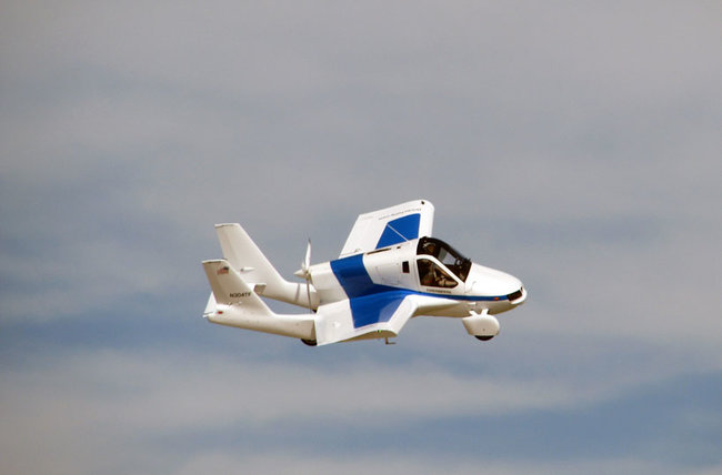 Terrafugia Transition flying car takes to the skies - photo 3