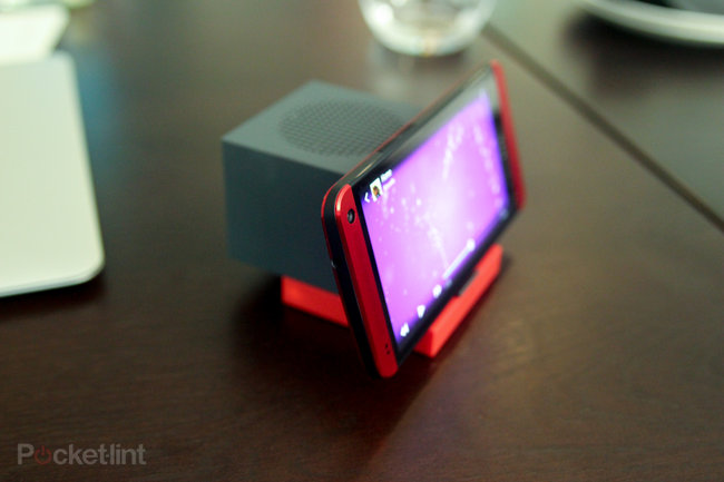 HTC BoomBass hands-on: Bringing bass to BoomSound - photo 3