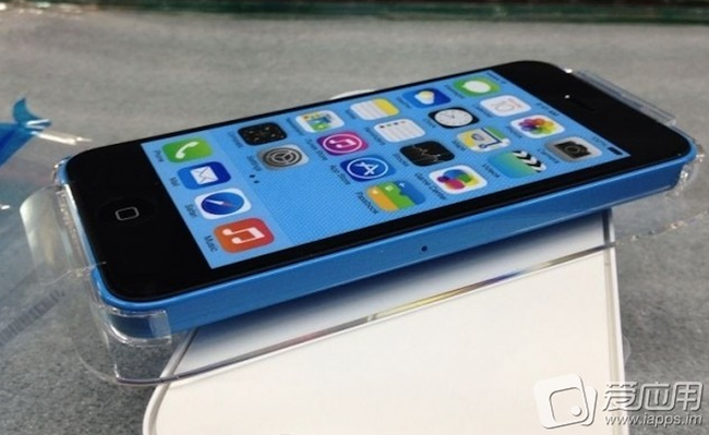 More iPhone 5C pictures surface, surely the real deal? - photo 1