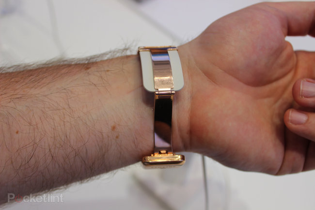 Hands-on Samsung Galaxy Gear review: Killing time with the new smartwatch - photo 36