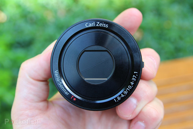 Sony QX100 lens-style camera: Hands-on with the RX100 II lens for your phone - photo 1