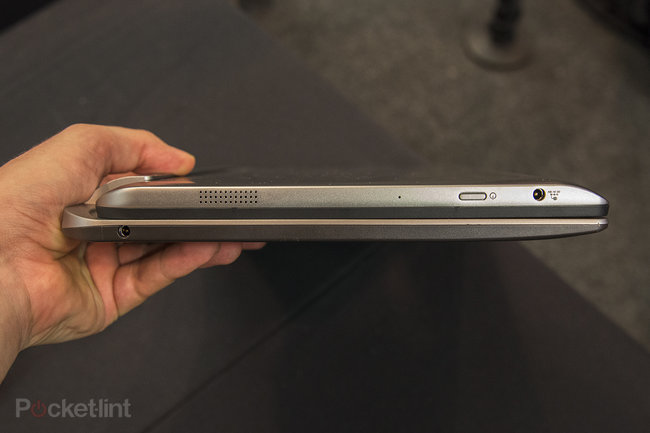 Toshiba Satellite W30t hands-on: laptop-tablet hybrid pushes the budget angle - photo 4