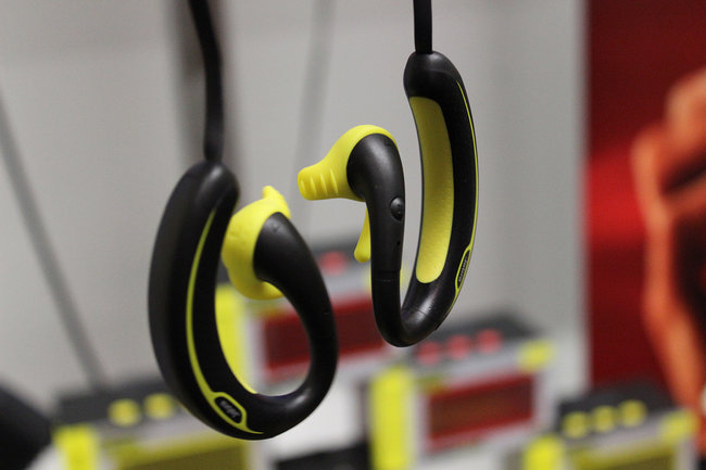 Jabra Sports Wireless+ headphones with built-in radio gets our ears and hands-on treatment - photo 2