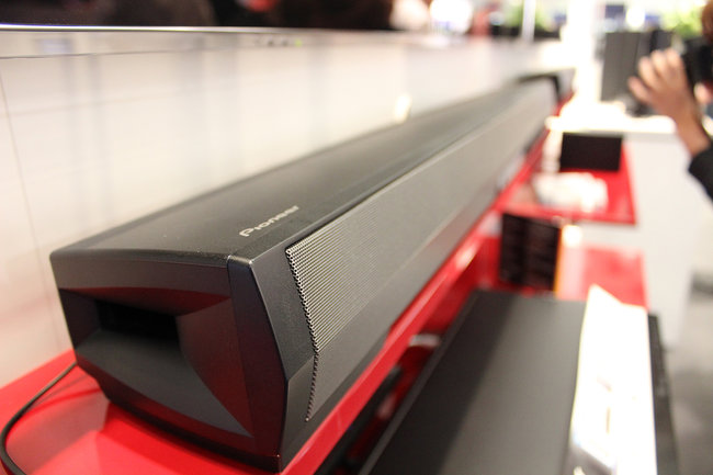 Pioneer's new SBX-N700 speaker bar and Bluetooth player gets the hands-on treatment - photo 2