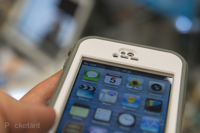 LifeProof Nuud iPhone case: glass screen remains exposed for an au naturel hands-on experience - photo 2