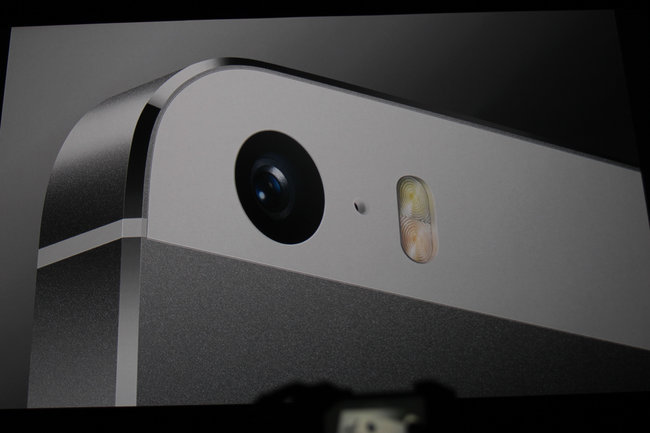 iPhone 5S: The new flagship Apple smartphone with Touch ID fingerprint reader - photo 3