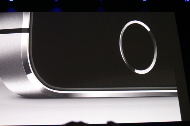 iPhone 5S: The new flagship Apple smartphone with Touch ID fingerprint reader - photo 4
