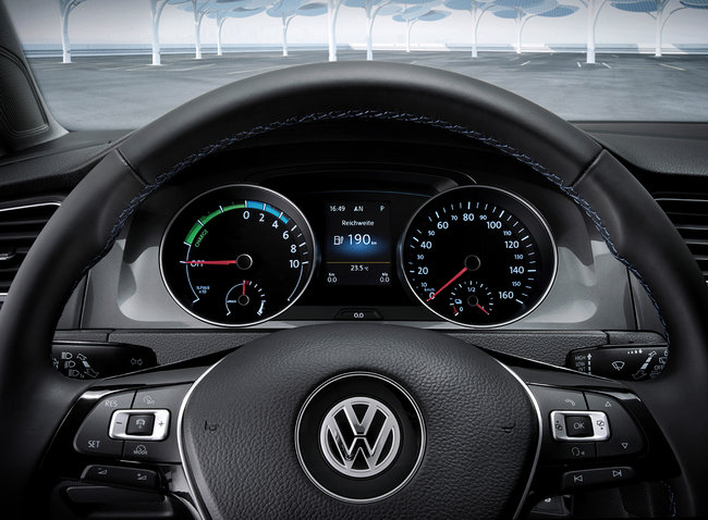 VW unveils electric e-Golf and e-up! cars with 190 km range and £2.76 / 100 km running cost - photo 7