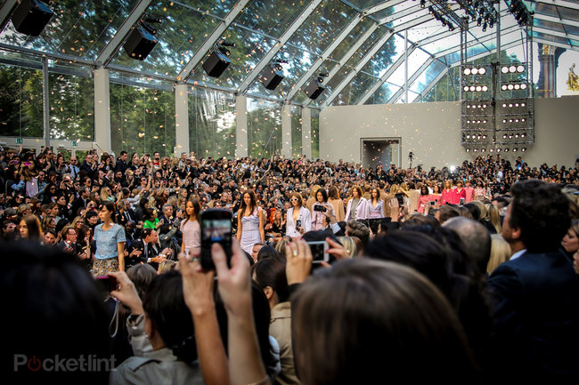 Burberry's Christopher Bailey talks iPhone 5S, being mates with Jony, and the new spring/summer 2014 collection - photo 2