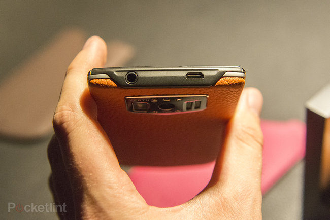 Vertu Constellation hands-on, we handle the £4,200 fashion phone - photo 9