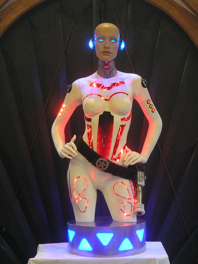 Hoping for an iPhone dock this Christmas, how about a life-size flashing Robot Girl? - photo 2