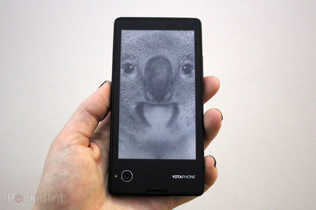 Hands-on: YotaPhone review - photo 2