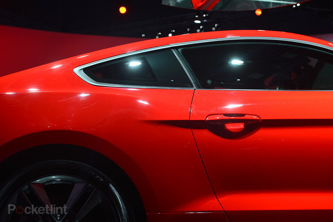 Ford Mustang GT 2015 coming to the UK: Pictures and eyes-on - photo 26