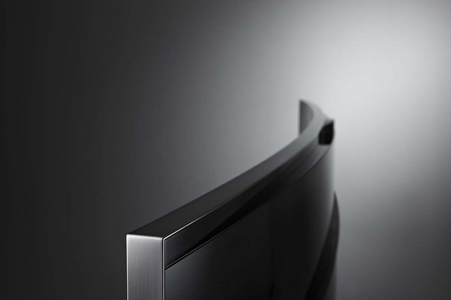 Samsung bets the farm on UHD TVs, including U9000 curved 4K consumer set - photo 3