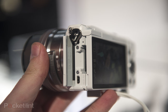 Hands-on: Sony Alpha A5000 is small yet mighty - photo 9