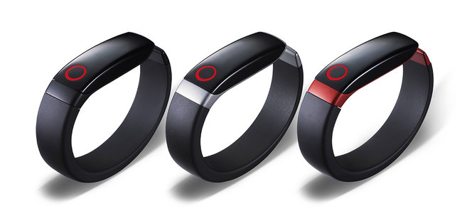 LG Lifeband Touch and Heart Rate Earphones official, take on Nike FuelBand but with extra features - photo 1