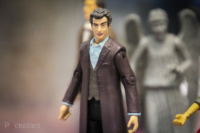 Doctor Who: Twelfth Doctor (Peter Capaldi) action figure pictures and hands-on - photo 1