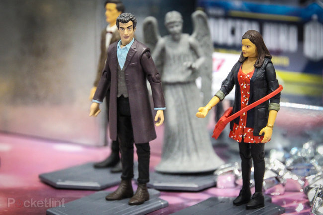 Doctor Who: Twelfth Doctor (Peter Capaldi) action figure pictures and hands-on - photo 2