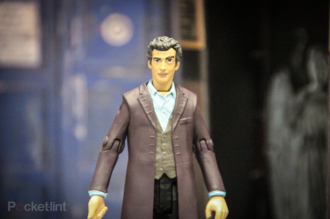 Doctor Who: Twelfth Doctor (Peter Capaldi) action figure pictures and hands-on - photo 3