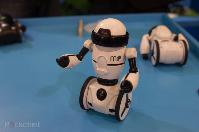 Hands-on: WowWee MiP balancing robot review (video) - photo 4