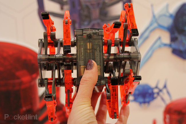 Hands-on: Hexbug Strandbeast is a hypnotising robotic creature (video) - photo 3