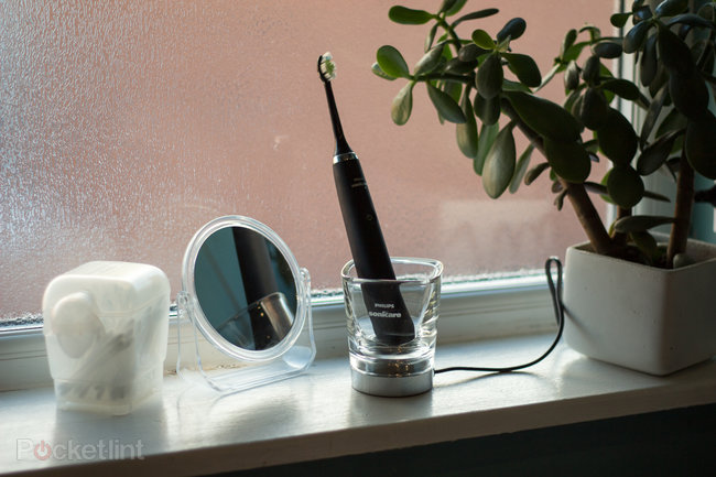 Hands-on: Philips Sonicare Diamond Clean Black review - photo 1