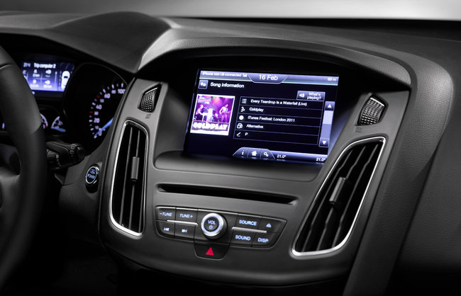 Ford Focus 2014 first to hit Europe with SYNC 2 voice-activated in-car tech - photo 11