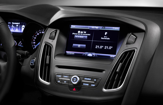Ford Focus 2014 first to hit Europe with SYNC 2 voice-activated in-car tech - photo 8