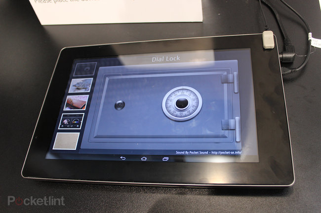Fujitsu ultrasonic haptic tablet pictures and hands-on - photo 3