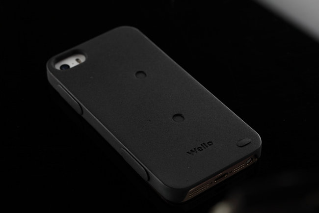 Forget the Samsung Galaxy S5, Azoi's Wello iPhone case adds all manner of health tracking sensors - photo 1