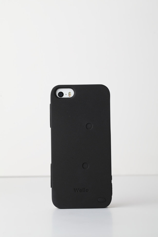 Forget the Samsung Galaxy S5, Azoi's Wello iPhone case adds all manner of health tracking sensors - photo 8