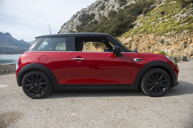 Mini Cooper D review (2014) - photo 3