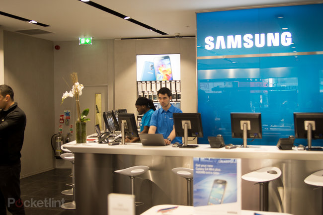 New Samsung Experience' stores let you get touchy feely - photo 14