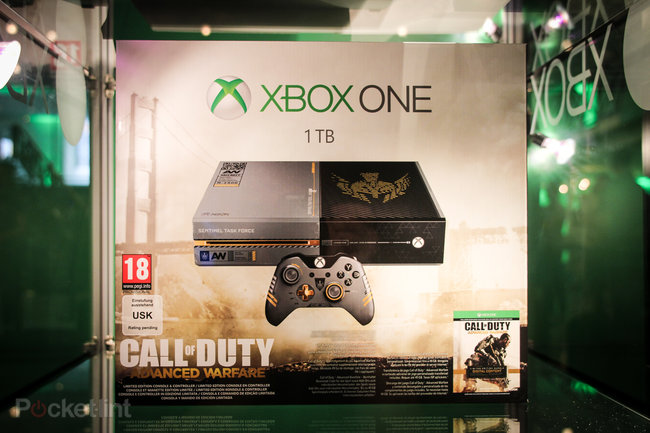 Sunset Overdrive white Xbox One and Call of Duty: Advanced Warfare limited edition Xbox One in the flesh - photo 17
