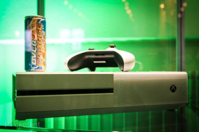 Sunset Overdrive white Xbox One and Call of Duty: Advanced Warfare limited edition Xbox One in the flesh - photo 5