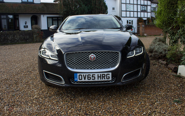 Jaguar XJ 2016 first drive: Future tech meets heritage, in style - photo 4