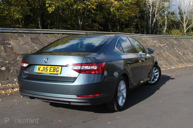 Skoda Superb review: At the business end - photo 3