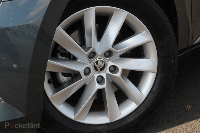 Skoda Superb review: At the business end - photo 7