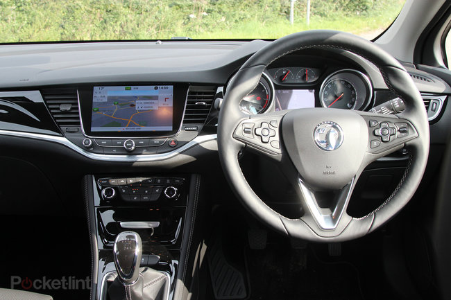 Vauxhall Astra (2016) first drive: The Brit underdog - photo 7