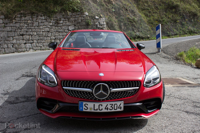 Mercedes-Benz SLC roadster first drive: New name, new engine, new limits - photo 2