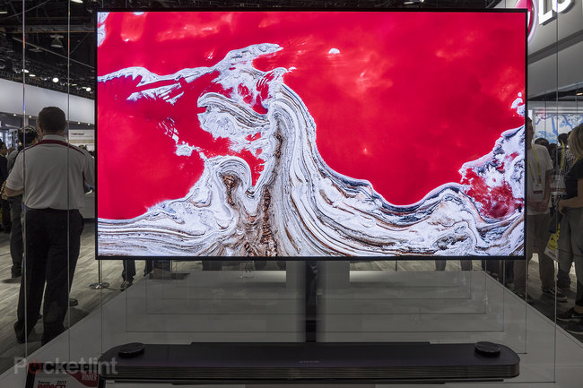 """LG Signature OLED W preview: 2.5mm thin wall-mounted """"wallpaper"""" TV is simply stunning - photo 3"""