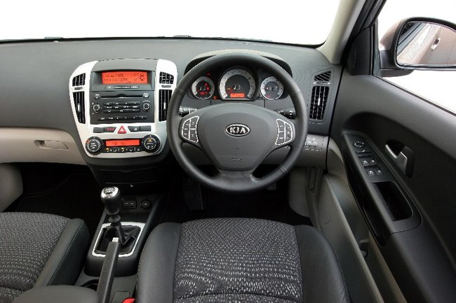 Kia cee'd 1.6CRDi LS - photo 5