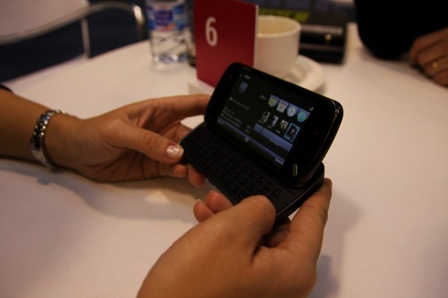 Nokia N97 mobile phone - First Look - photo 9