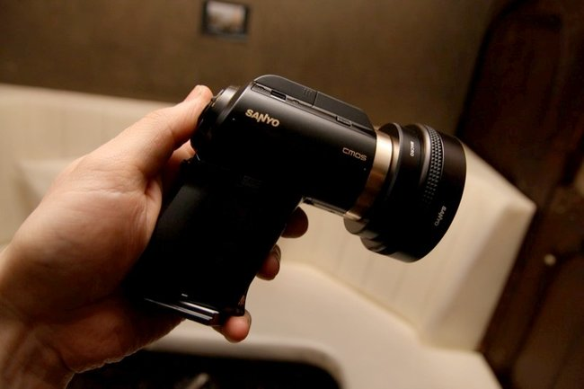 Sanyo Xacti VPC-HD2000 camcorder - photo 5