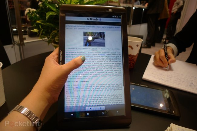 First Look: Archos 101 Internet Tablet - photo 1