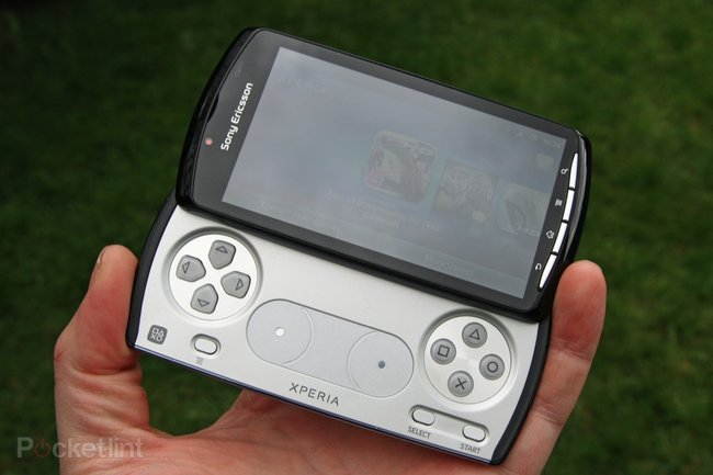 Sony Ericsson Xperia Play - photo 1