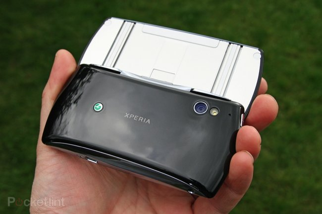 Sony Ericsson Xperia Play   - photo 13