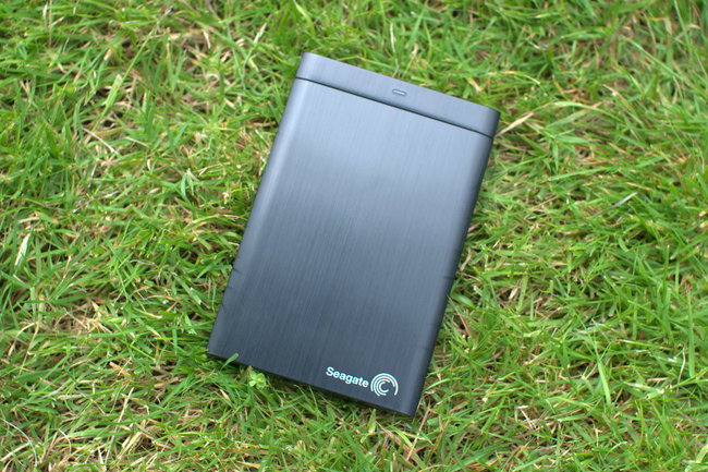how to turn on seagate backup plus hub 8
