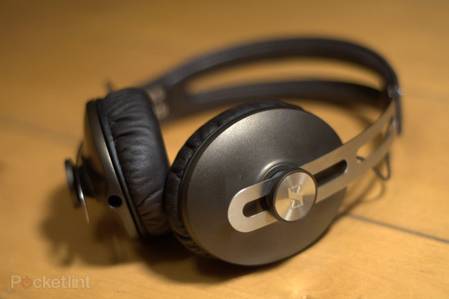 Sennheiser Momentum headphones  - photo 8